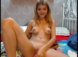 Super-cute nubile gf with..